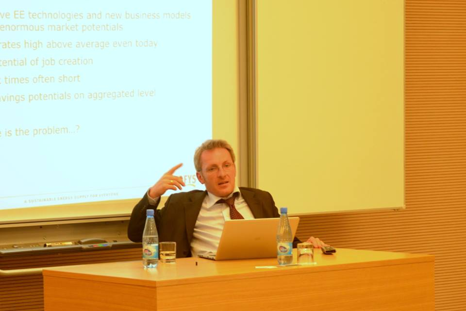 """CCEE hosts a lecture on """"Policy for Energy Efficiency"""""""